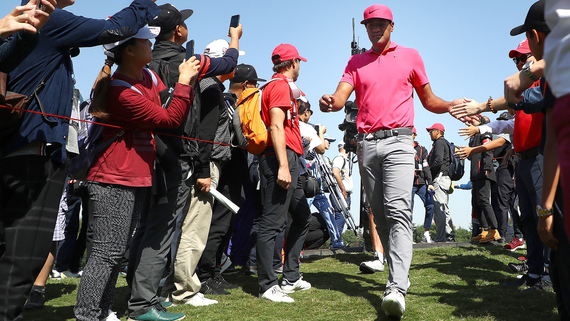 Tony Finau in Rd. 3 of the 2018 WGC-HSBC Champions