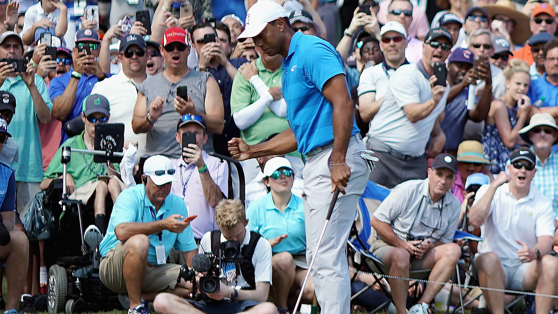 Tiger Woods makes eagle Thursday at the 2018 Players Championship.