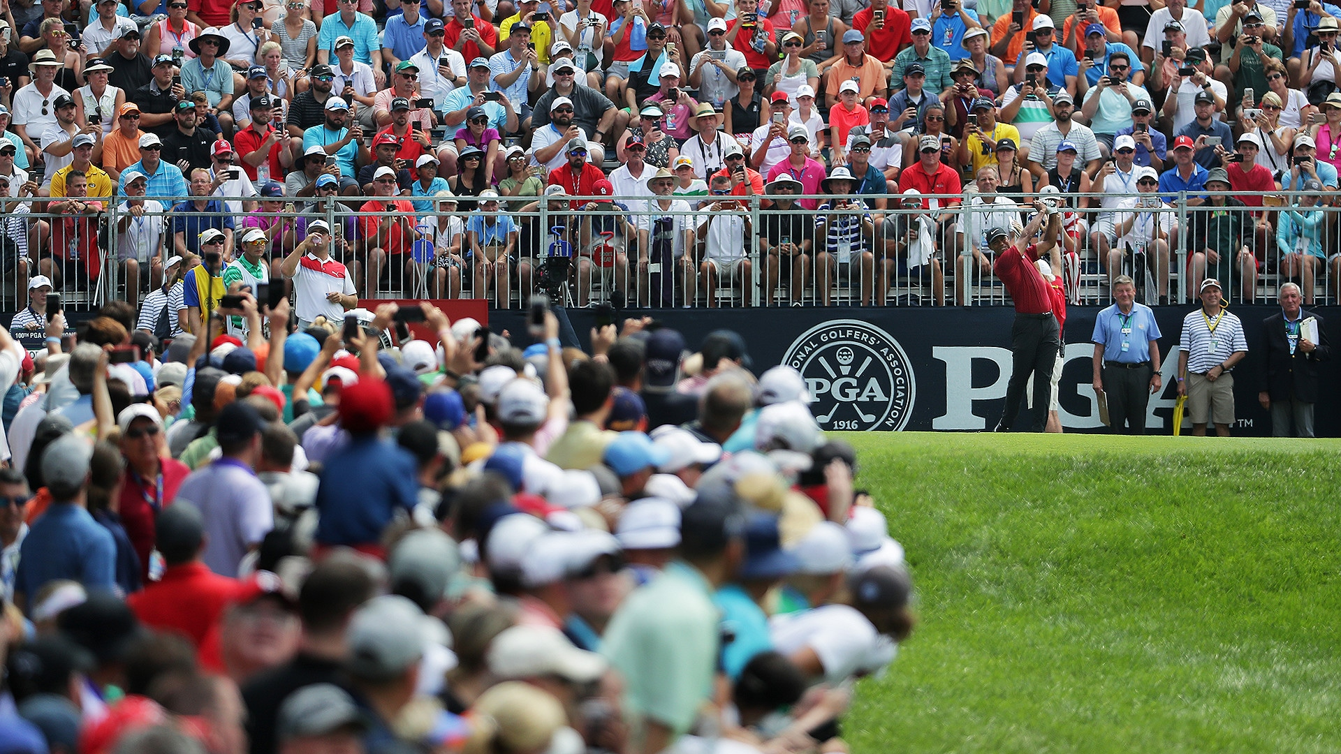 watch  highlights from tiger woods u0026 39  rd  4 at the 2018 pga
