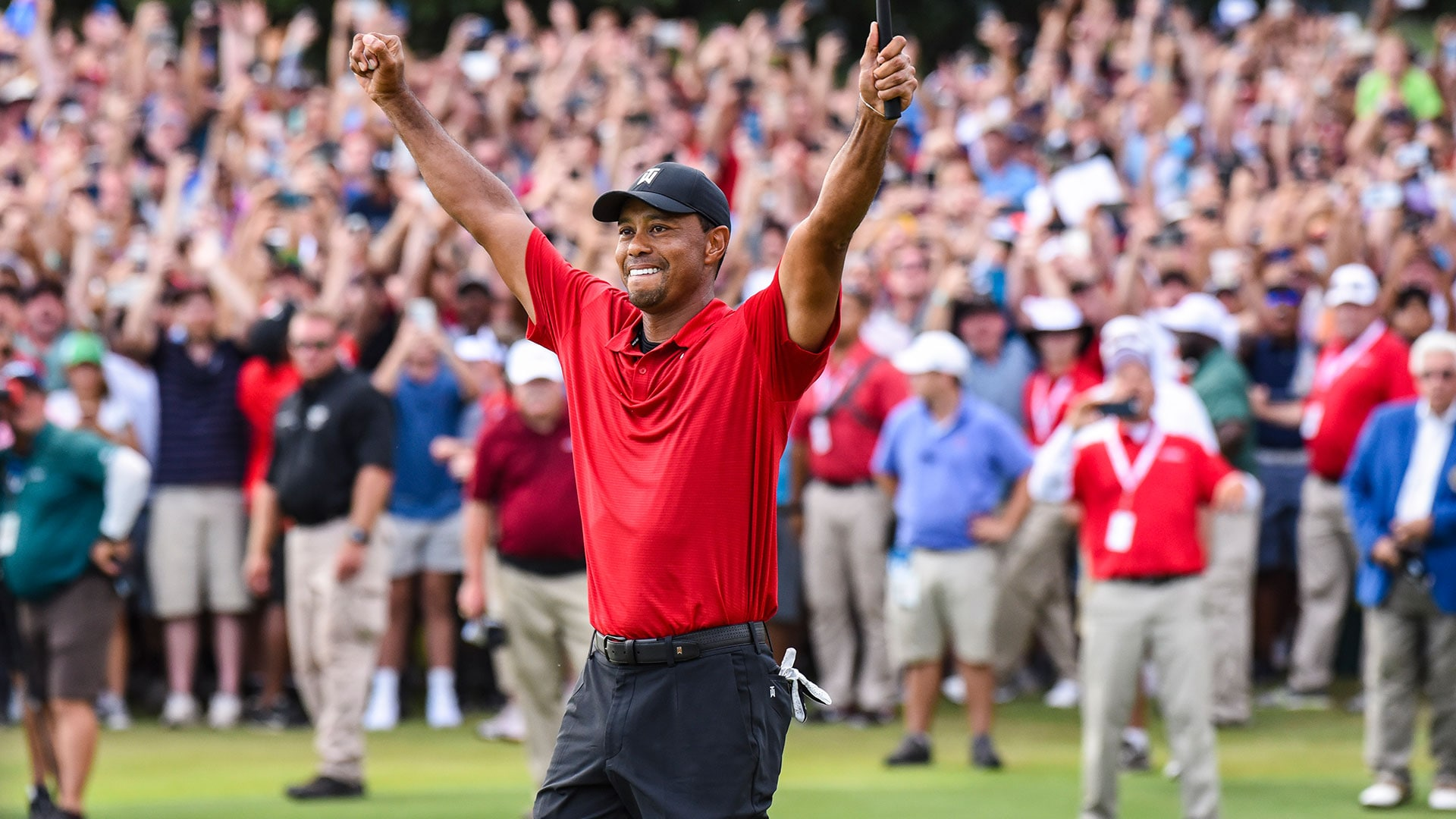 tiger woods caps 2018 season with win at tour championship