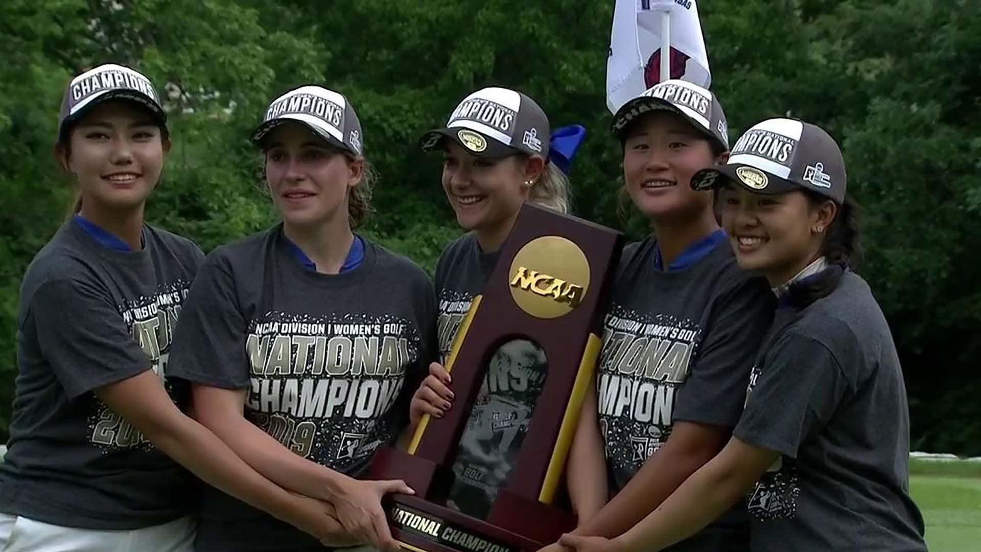 The victorious 2019 Duke Women's Golf team