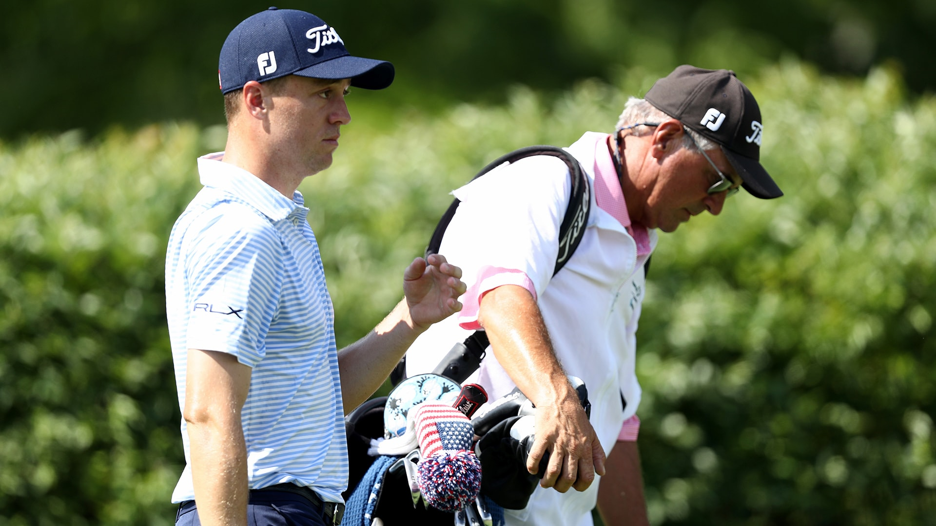 Mike Thomas Caddies For Son Justin Thomas After Regular Looper Leaves With Dizziness Golf Channel