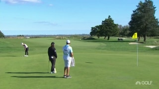 Drano! M. Lee sinks long eagle putt on No. 3