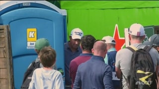 Loo break: Irish fans cheer on Harrington after doing his business