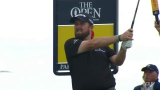 Suddenly new local favorite, Lowry (67) grabs share of Open lead