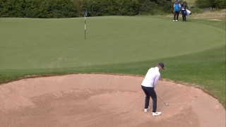 Kinhult splashes out of bunker perfectly on 17