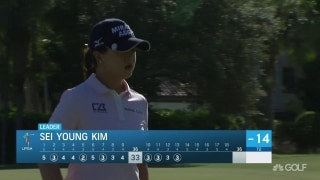 Sei Young Kim drains three birdies on back nine for CME lead
