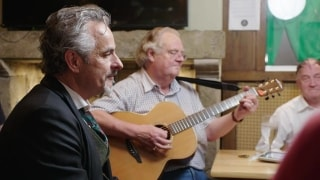 Feherty seeks out traditional Irish music
