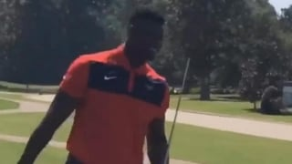 Grill Room: Zion Williamson accidentally breaks everything, including his golf club