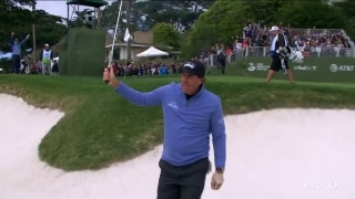 #MovingDay: Phil (67) makes move with short-game magic