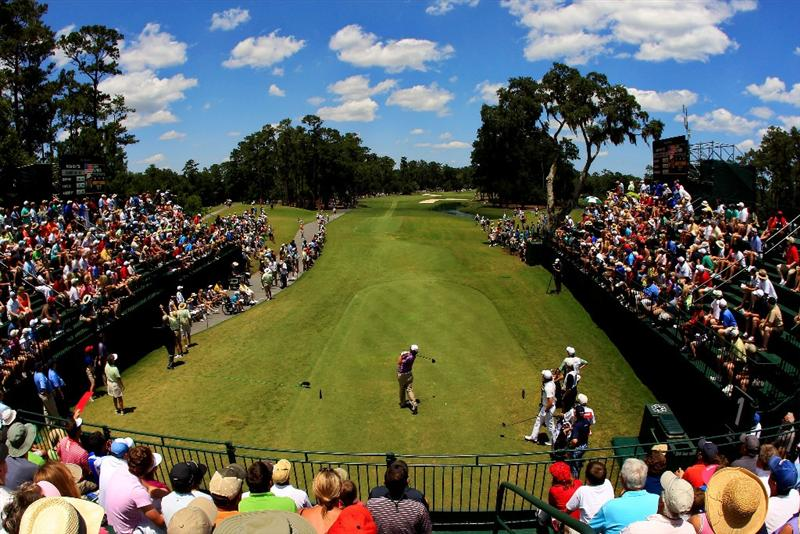 PONTE VEDRA BEACH, FL - MAY 15:  Jason Dufner hits his tee shot on the first hole during the final round of THE PLAYERS Championship held at THE PLAYERS Stadium course at TPC Sawgrass on May 15, 2011 in Ponte Vedra Beach, Florida.  (Photo by Streeter Lecka/Getty Images)
