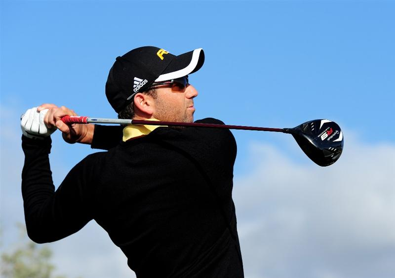 MARANA, AZ - FEBRUARY 20:  Sergio Garcia  of Spain plays his tee shot on the eighth hole during round four of the Accenture Match Play Championship at the Ritz-Carlton Golf Club on February 20, 2010 in Marana, Arizona.  (Photo by Stuart Franklin/Getty Images)