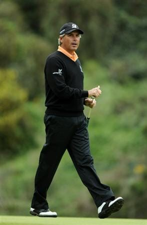 PACIFIC PALISADES, CA - FEBRUARY 18:  Fred Couples reacts to his missed putt for birdie on the eighth hole during the second round of the Northern Trust Open at the Riviera Country Club on February 18, 2011 in Pacific Palisades, California.  (Photo by Harry How/Getty Images)