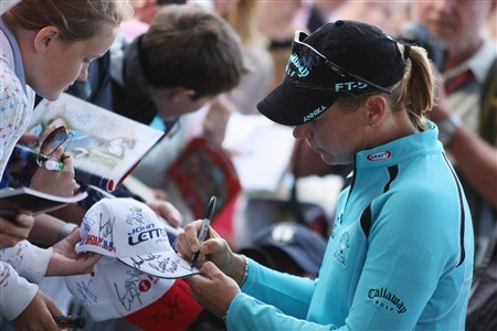 SUNNINGDALE, UNITED KINGDOM - AUGUST 01:  Annika Sorenstam of Sweden signs autographs after the second round of the 2008 Ricoh Women's British Open held on the Old Course at Sunningdale Golf Club on August 1, 2008 in Sunningdale, England.  (Photo by Warren Little/Getty Images)
