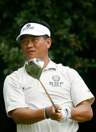 ATLANTA - SEPTEMBER 24:  K.J. Choi of South Korea watches his tee shot on the third hole during the second round of THE TOUR Championship presented by Coca-Cola at East Lake Golf Club on September 24, 2010 in Atlanta, Georgia.  (Photo by Scott Halleran/Getty Images)