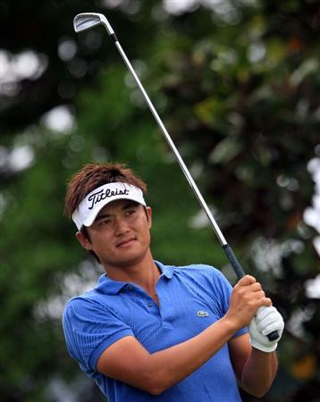 ORLANDO, FL - MARCH 28:  Ryuji Imada of Japan watches his tee shot on the second hole during the third round of the Arnold Palmer Invitational at the Bay Hill Club & Lodge on March 28, 2009 in Orlando, Florida.  (Photo by Scott Halleran/Getty Images)