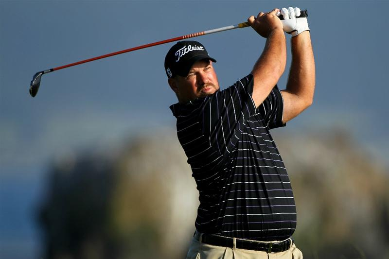 PEBBLE BEACH, CA - JUNE 17:  Brendon de Jonge of Zimbabwe hits his tee shot on the 18th hole during the first round of the 110th U.S. Open at Pebble Beach Golf Links on June 17, 2010 in Pebble Beach, California.  (Photo by Donald Miralle/Getty Images)