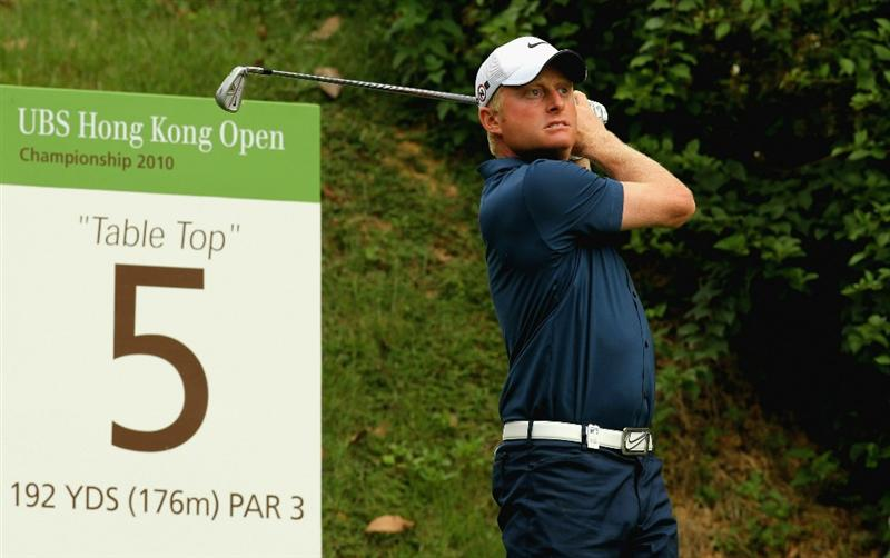 HONG KONG - NOVEMBER 18:  Simon Dyson of England tees off on the 5th hole during the first round of the USB Hong Kong Open at The Hong Kong Golf Club  on November 18, 2010 in Hong Kong, Hong Kong.  (Photo by Stanley Chou/Getty Images)