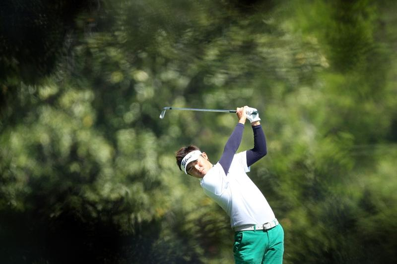 AUGUSTA, GA - APRIL 09:  Ryuji Imada of Japan hits a shot on the fifth hole during the first round of the 2009 Masters Tournament at Augusta National Golf Club on April 9, 2009 in Augusta, Georgia.  (Photo by David Cannon/Getty Images)