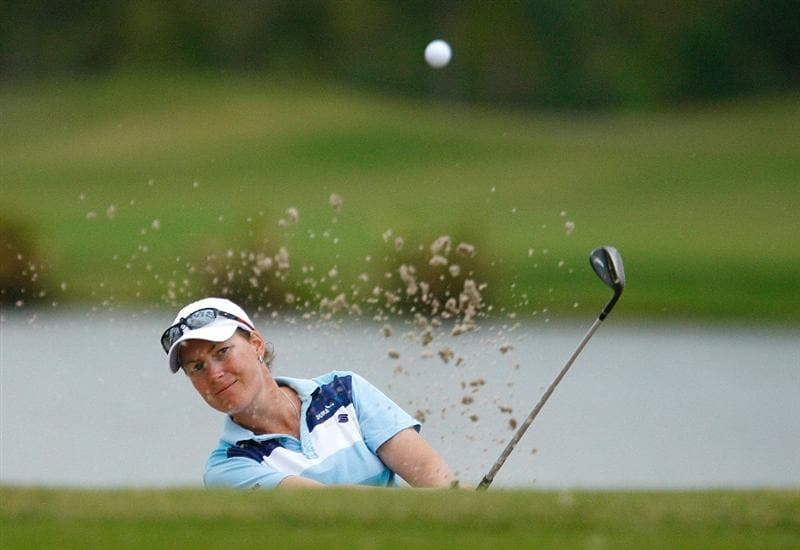 RICHMOND, TX - NOVEMBER 20:  Lindsey Wright of Australia plays a bunker shot on the 13th hole during the second round of the LPGA Tour Championship presented by Rolex at the Houstonian Golf and Country Club on November 20, 2009 in Richmond, Texas.  (Photo by Scott Halleran/Getty Images)