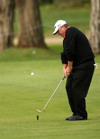 PACIFIC PALISADES, CA - FEBRUARY 21:  Mark Calcavecchia hits to the 11th green during the third round of the Northern Trust Open on February 21, 2009 at Riviera Country Club in Pacific Palisades, California.  (Photo by Stephen Dunn/Getty Images)