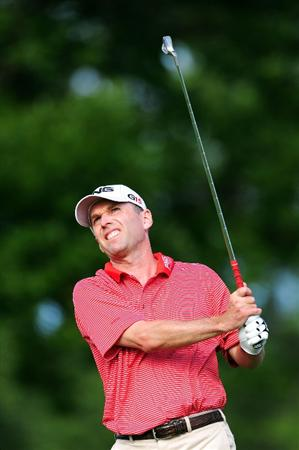 CHASKA, MN - AUGUST 13:  Kevin Sutherland watches his tee shot on the eighth hole during the first round of the 91st PGA Championship at Hazeltine National Golf Club on August 13, 2009 in Chaska, Minnesota.  (Photo by Stuart Franklin/Getty Images)