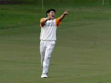 Shigeki Maruyama enjoys a luagh as he walks the 10th fairway during practice October 25, 2005 on the Copperhead Course for the 2005 Chrysler Championship in Palm Harbor, Florida.Photo by Al Messerschmidt/WireImage.com