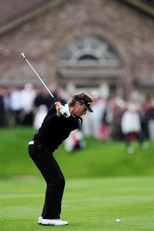 COLOGNE, GERMANY - SEPTEMBER 10:  Bernhard Langer of Germany plays his approach shot on the 18th hole during the first round of The Mercedes-Benz Championship at The Gut Larchenhof Golf Club on September 10, 2009 in Cologne, Germany.  (Photo by Stuart Franklin/Getty Images)