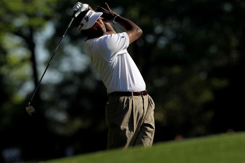 AUGUSTA, GA - APRIL 09:  Vijay Singh of Fiji plays his tee shot on the second hole during the second round of the 2010 Masters Tournament at Augusta National Golf Club on April 9, 2010 in Augusta, Georgia.  (Photo by Jamie Squire/Getty Images)