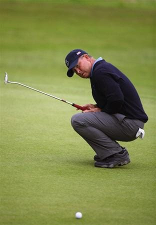DUMBARTON, SCOTLAND - SEPTEMBER 18: Sonny Skinner of the USA reacts to his put shot on the 6th green in the afternoon four ball matches at The Carrick on Loch Lomond on September 18, 2009 in Dumbarton, Scotland.  (Photo by Jeff J Mitchell/Getty Images)