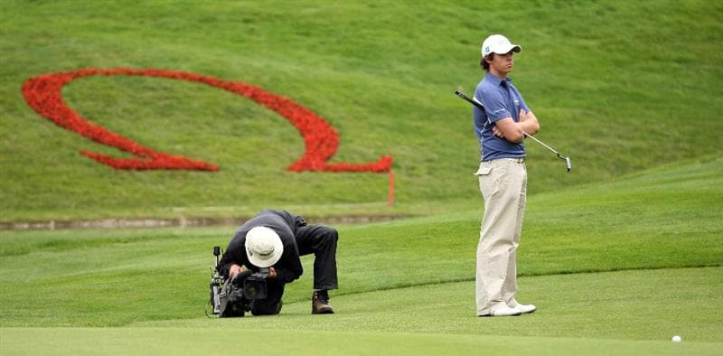 CRANS, SWITZERLAND - SEPTEMBER 06:  Rory McIlroy of Northern Ireland on the par five 14th hole during the third round the Omega European Masters at the Golf Club Crans-sur-Sierre on September 6, 2008 in Crans, Switzerland.  (Photo by Ross Kinnaird/Getty Images)