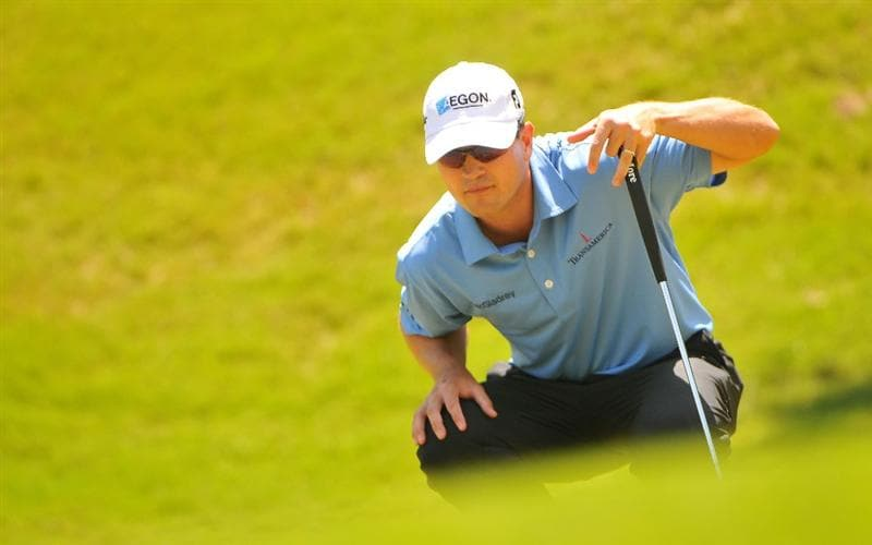 SAN ANTONIO TX - MAY 17: Zach Johnson lines up a birdie putt on the 2nd  hole during the fourth and final  round of  the Valero Texas Open held at La Cantera Golf Club on May 17, 2009 in San Antonio, Texas.  (Photo by Marc Feldman/Getty Images)