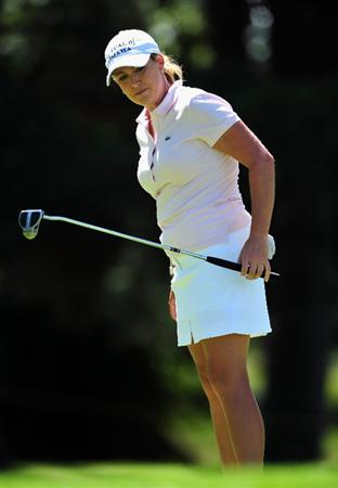 EVIAN-LES-BAINS, FRANCE - JULY 25: Cristie Kerr of USA putting on the 12th hole during the third round of the Evian Masters at the Evian Masters Golf Club on July 25, 2009 in Evian-les-Bains, France.  (Photo by Stuart Franklin/Getty Images)