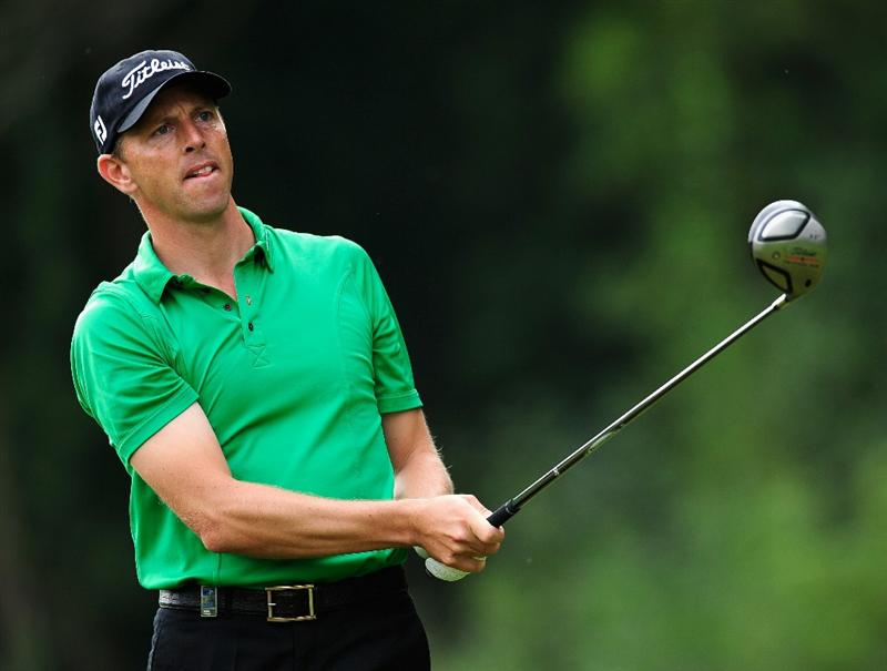 PARIS - SEPTEMBER 23:  Soren Hansen of Denmark plays his tee shot on the eighth hole during the first round of the Vivendi cup at Golf de Joyenval on September 22, 2010 in Chambourcy, near Paris, France.  (Photo by Stuart Franklin/Getty Images)
