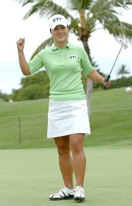 Meena Lee celebrates after winning a sudden death playoff against Seon Hwa Lee in the final round of the inaugural 2006 Fields Open in Hawaii at Ko Olina Golf Club in Kapolei, Hawaii February 25, 2006.Photo by Steve Grayson/WireImage.com