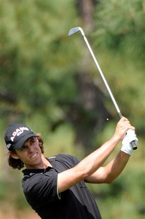 AUGUSTA, GA - APRIL 10:  Aaron Baddeley of Australia hits a shot on the 17th hole during the second round of the 2009 Masters Tournament at Augusta National Golf Club on April 10, 2009 in Augusta, Georgia.  (Photo by Harry How/Getty Images)