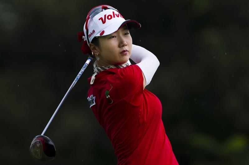 CHON BURI, THAILAND - FEBRUARY 20:  Bae Kyeong of South Korea tees off on the 3rd hole during round three of the Honda PTT LPGA Thailand at Siam Country Club on February 20, 2010 in Chon Buri, Thailand.  (Photo by Victor Fraile/Getty Images)