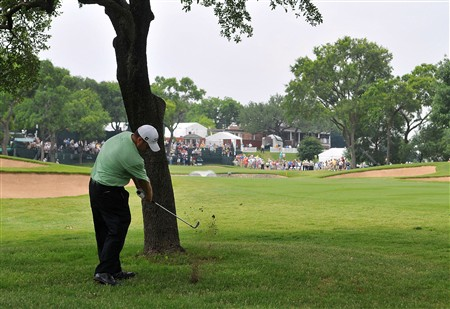 FORT WORTH , TX - MAY 22:  Glen Day hits out of the rough on the 9th hole during the first round of the Crown Plaza Invitational at Colonial Country Club on May 22, 2008 in Fort Worth, Texas.    (Photo by Marc Feldman/Getty Images)