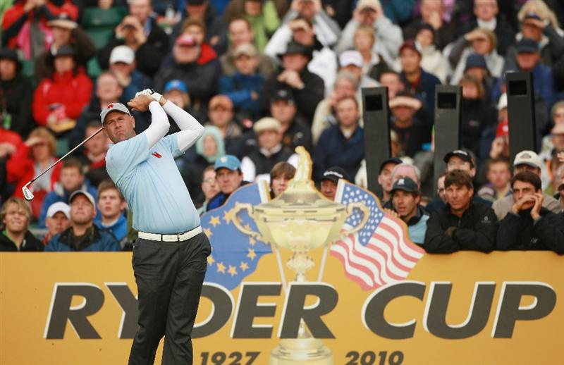 NEWPORT, WALES - OCTOBER 01:  Stewart Cink of the USA tees off on the 7th hole during the Morning Fourball Matches during the 2010 Ryder Cup at the Celtic Manor Resort on October 1, 2010 in Newport, Wales.  (Photo by Andrew Redington/Getty Images)