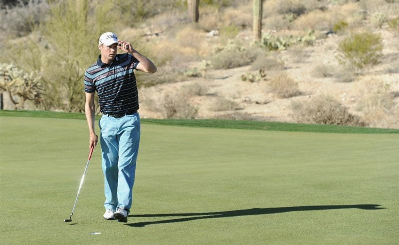 MARANA, AZ - FEBRUARY 24:  Nick Watney celebrates his win on the 18th hole during the second round of the Accenture Match Play Championship at the Ritz-Carlton Golf Club on February 24, 2011 in Marana, Arizona.  (Photo by Stuart Franklin/Getty Images)