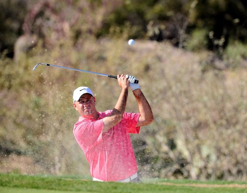 MARANA, AZ - FEBRUARY 19:  Stewart Cink plays his bunker shot on the 18th hole during round three of the Accenture Match Play Championship at the Ritz-Carlton Golf Club on February 19, 2010 in Marana, Arizona.  (Photo by Stuart Franklin/Getty Images)