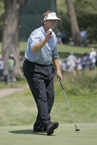 Peter Jacobsen waves to the crowd during the second round of the U.S. Senior Open at Prairie Dunes Country Club in Hutchinson, Kansas on July 7, 2006.Photo by G. Newman Lowrance/WireImage.com