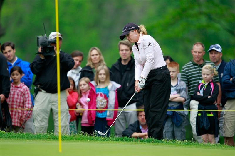 GLADSTONE, NJ - MAY 22:  Cristie Kerr chips on the sixth hole during her match against  Suzann Pettersen of Norway in the final of the Sybase Match Play Championship at Hamilton Farm Golf Club on May 22, 2011 in Gladstone, New Jersey.  (Photo by Chris Trotman/Getty Images)