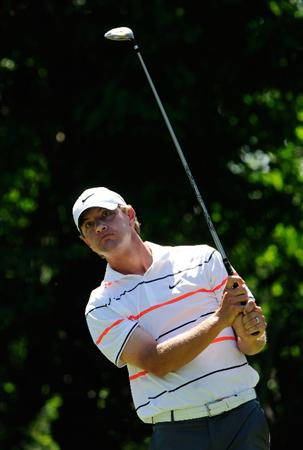 PONTE VEDRA BEACH, FL - MAY 09:  Lucas Glover plays his tee shot on the fifth hole during the final round of THE PLAYERS Championship held at THE PLAYERS Stadium course at TPC Sawgrass on May 9, 2010 in Ponte Vedra Beach, Florida.  (Photo by Sam Greenwood/Getty Images)