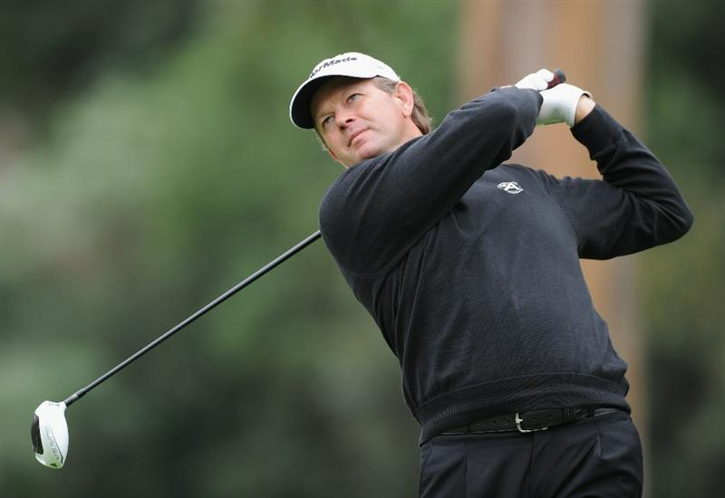 PACIFIC PALISADES, CA - FEBRUARY 18:  Retief Goosen of South Africa plays his tee shot on the nineth hole during the second round of the Northern Trust Open at Riviera Country Club on February 18, 2011 in Pacific Palisades, California.  (Photo by Stuart Franklin/Getty Images)