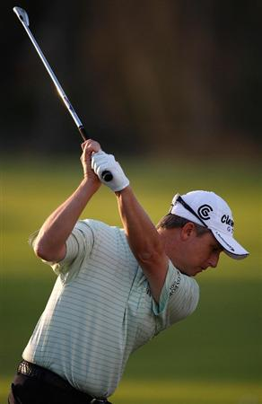 HONOLULU - JANUARY 17:  David Toms hits a shot during the third round of the Sony Open at Waialae Country Club on January 17, 2009 in Honolulu, Hawaii.  (Photo by Sam Greenwood/Getty Images)