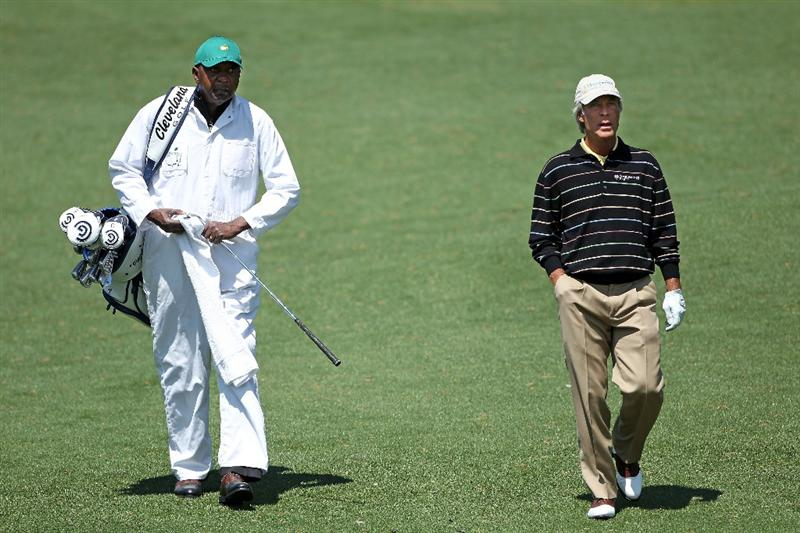 AUGUSTA, GA - APRIL 05:  Ben Crenshaw (R) walks alongside his caddie Carl Jackson during a practice round prior to the 2011 Masters Tournament at Augusta National Golf Club on April 5, 2011 in Augusta, Georgia.  (Photo by Andrew Redington/Getty Images)