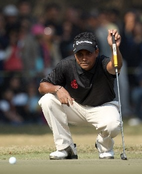 DELHI, INDIA - FEBRUARY 10:  S.S.P.Chowrasia of Inida lines up a putt at the 8th hole during the final round of the Emaar-MGF Indian Masters at the Delhi Golf Club, on February 10, 2008 in Delhi, India.  (Photo by David Cannon/Getty Images)