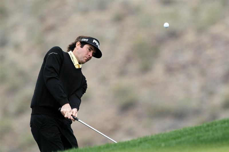 MARANA, AZ - FEBRUARY 26:  Bubba Watson chips  on the ninth hole during the quarterfinal round of the Accenture Match Play Championship at the Ritz-Carlton Golf Club on February 26, 2011 in Marana, Arizona.  (Photo by Sam Greenwood/Getty Images)