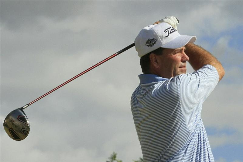PORTIMAO, PORTUGAL - NOVEMBER 15:  Tim Thelen of the US in action during the first round of the European Senior Tour Qualifying School Finals played at Vale da Pinta, Pestana Golf Resort on November 15, 2010 in Portimao, Portugal.  (Photo by Phil Inglis/Getty Images)